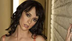 Jennifer Love Hewitt Serious Face And Wet Lips